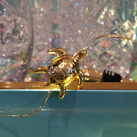 new product fe1df 8081b NIB LILLY PULITZER GOLD SEA TURTLE STRING LIGHTS NWT